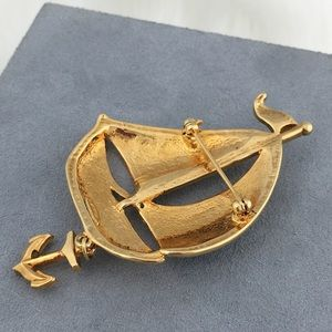 Vintage Jewelry - Vintage Avon Enamel Sailboat Dangle Brooch